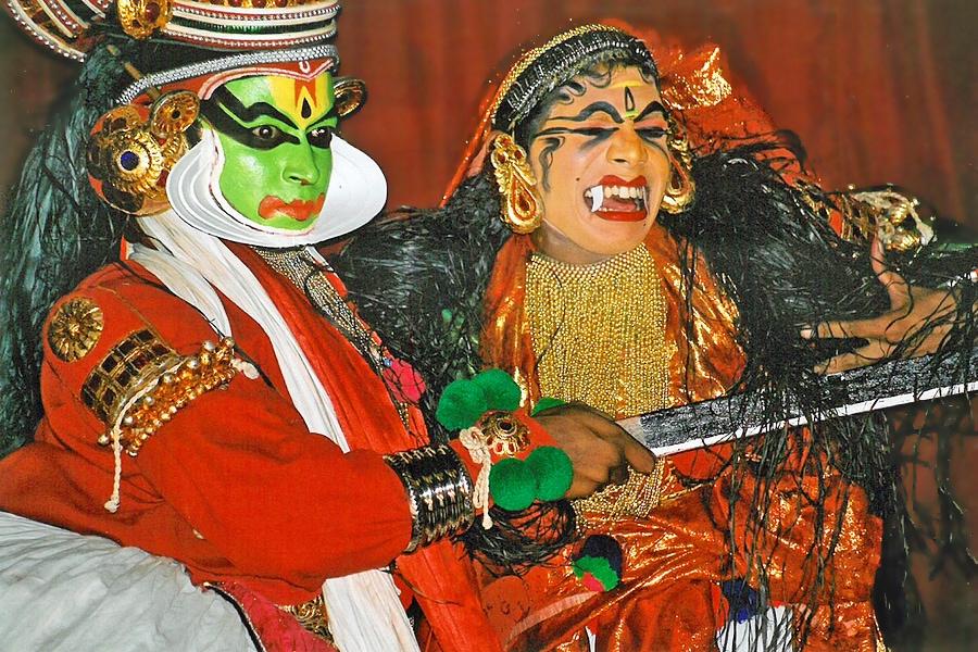 Kathakali dancers in Kochi/Cochin, Kerala, India #Kathakali #dance #dancer #kerala #india #kochi #cochin