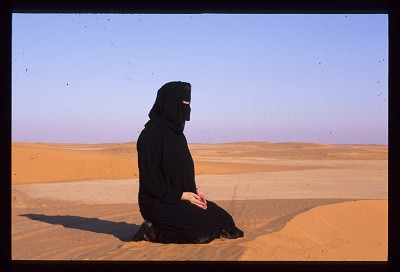 From burkas to baklavas… Interview with award-winning travel writer, Frances Linzee Gordon