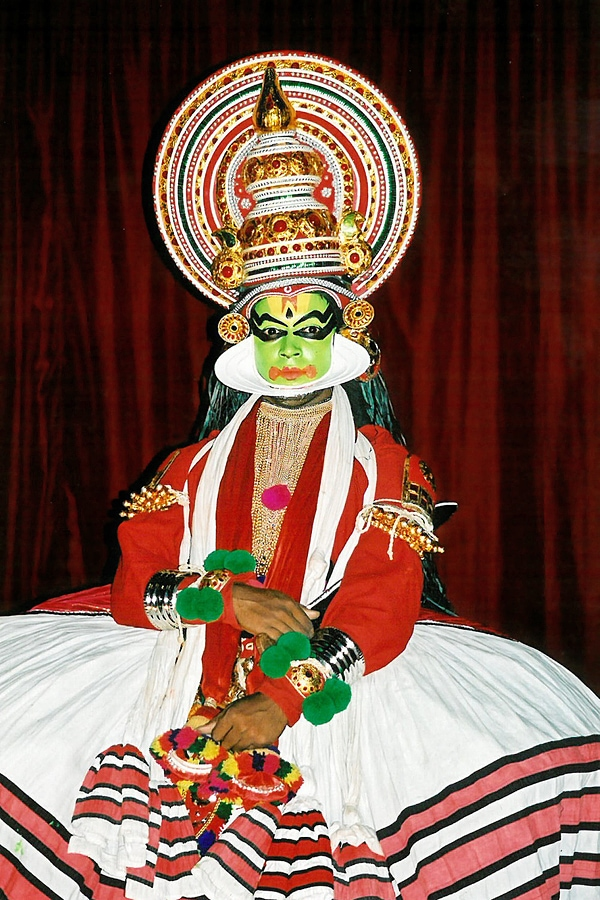 Kathakali dancer in Kochi/Cochin, Kerala, India #Kathakali #dance #dancer #kerala #india #kochi #cochin