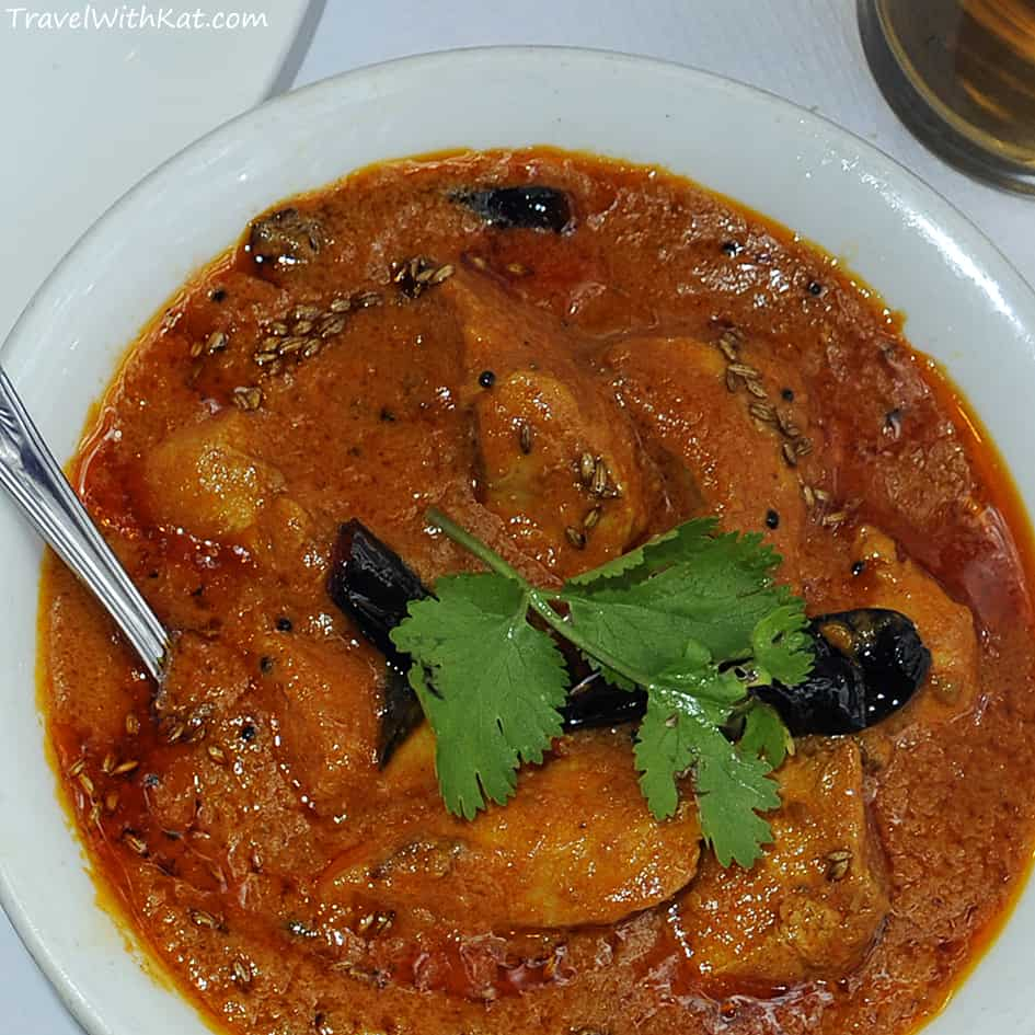 Kozi Verte Curry - a spicy chicken curry flavoured with coconut, fennel and curry leaves from coastal dish