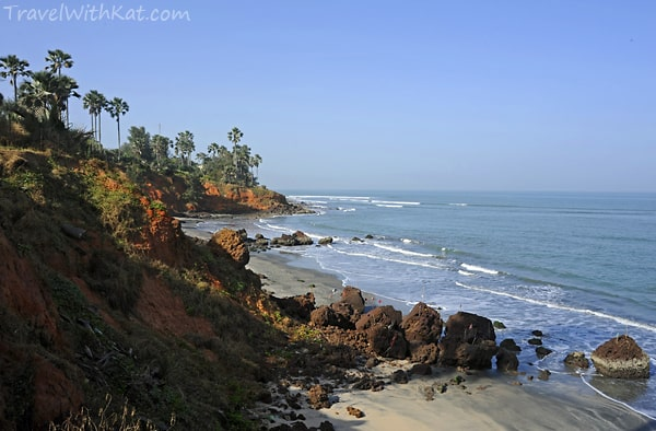 Ngala Lodge cliffs and Beach #FriFotos