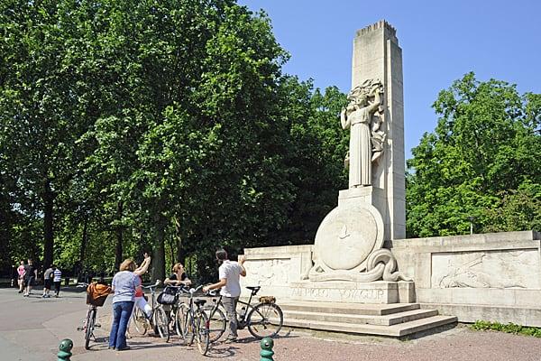 Monument aux pigeons voyageurs - Lille