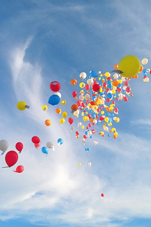 Capture the Colour, Blue sky balloons