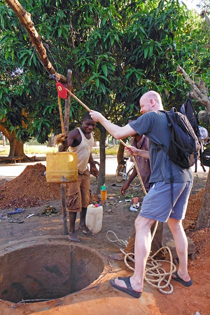 Building a well in Kubuneh