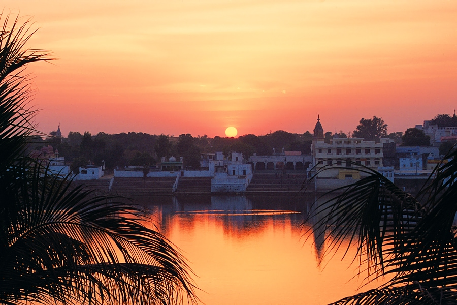 Sunset at the holy lake in Pushkar, Rajasthan, India