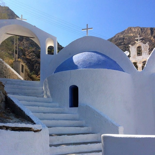 Kamari church, Things to do on Santorini
