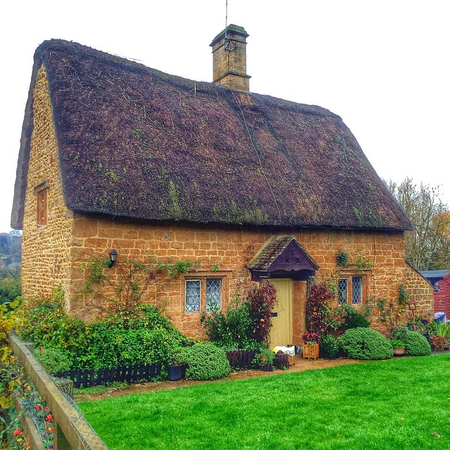 More from the Secret Cottage tour of the #Cotswolds with @CottageTour Read more http://travelwithkat.com/2014/11/28/cotswolds-tour-from-london/ #England