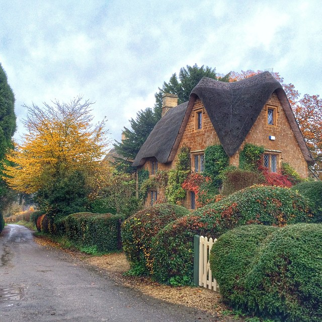Thanks to @CottageTour for such a wonderful day last Sunday exploring the #Cotswolds #England Read more on my blog TravelWithKat.com http://travelwithkat.com/2014/11/28/cotswolds-tour-from-london/