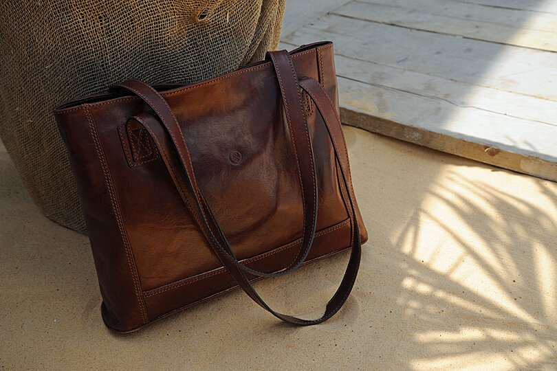 Review: The Athenea from Maxwell Scott Bags