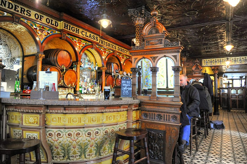 The Crown Liquer Saloon, Belfast