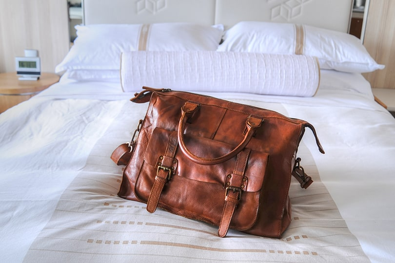 Tan leather holdall - review Ashwood holdall