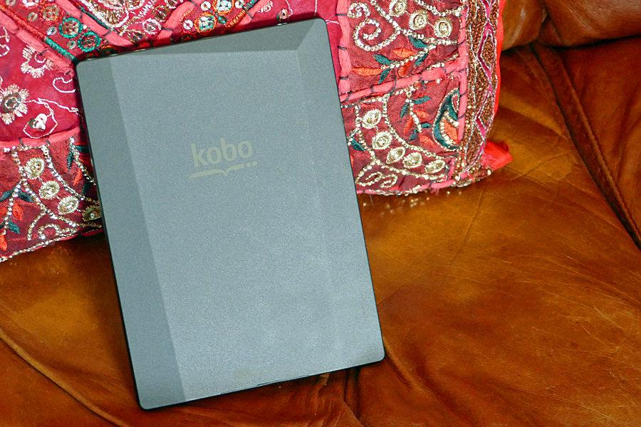 Kobo Aura H2O back