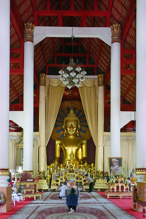 Phra Chao Thong Tip, Wat Phra Singh, Chiang Mai, Thailand