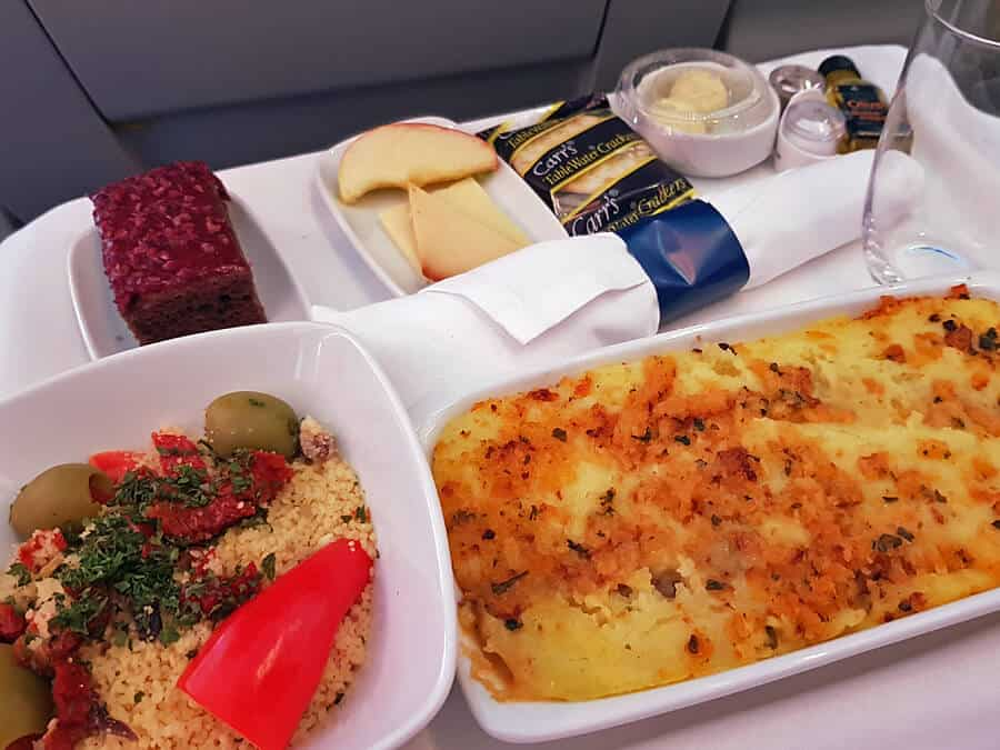 Air Transat Club Class meal - Pulled beef shepherd's pie Parmentier d'effiloché de bœuf With yellow potato, goat cheese and leek purée, sprinkled with toasted bread crumbs and Swiss cheese