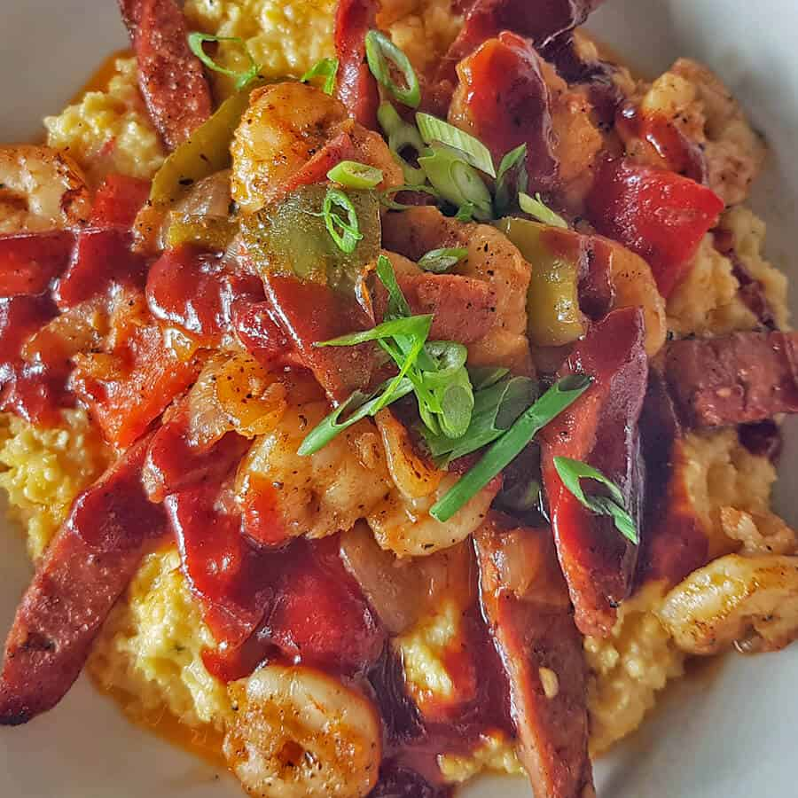 Shrimp and grits, one of the most traditional local dishes in South Carolina