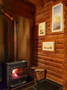 Lodges with hot tubs in the Cotswolds | Wood burner