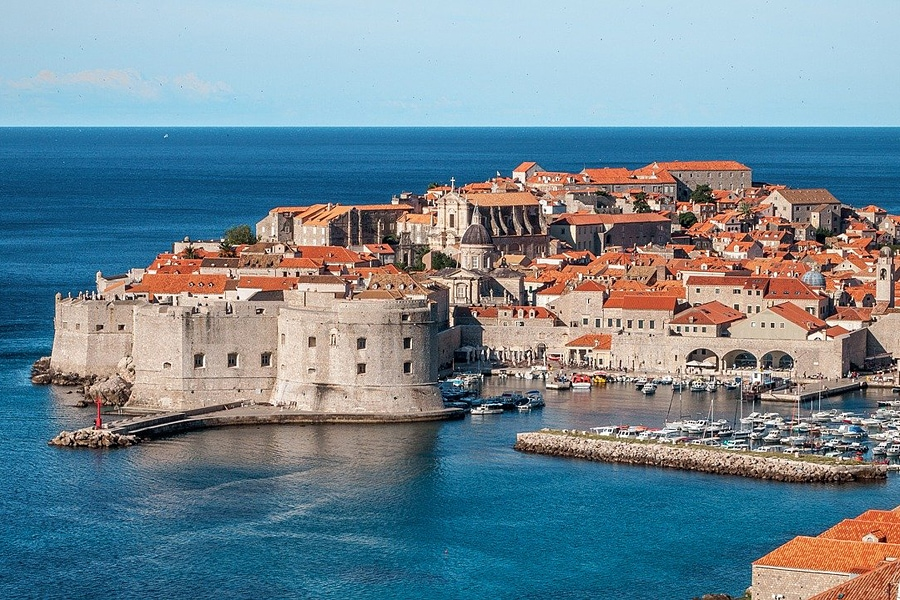 Medieval harbour of Dubrovnik - Tourist guide to Croatia