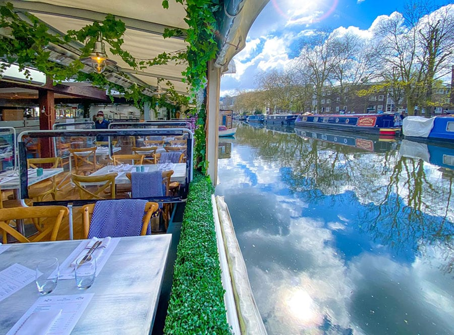 Alfresco dining at The Summerhouse, London